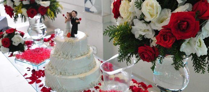wedding cake and decorations
