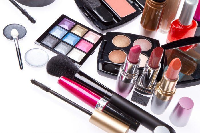 Make Money Selling Makeup Online