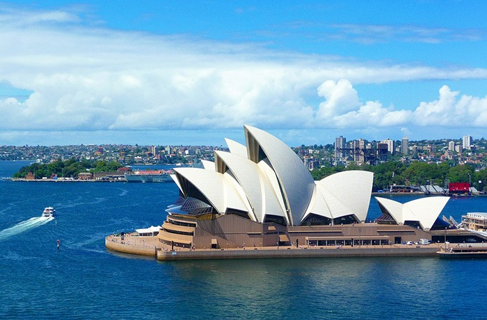Picture of Sydney Australia as  an example of jobs for Americans in Australia