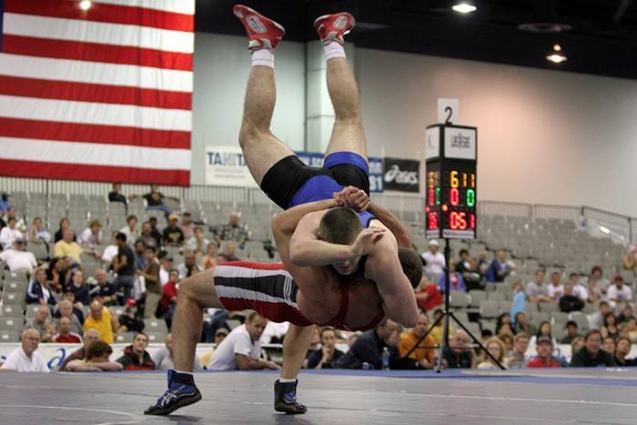 Photo of a wrestling tournament as an example of wrestling articles