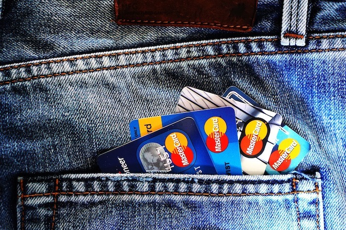 multiple credit cards in jean pocket
