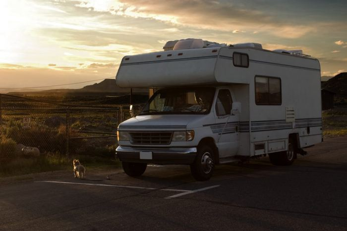rv in the mountains and a sunset for the best rv affiliate programs