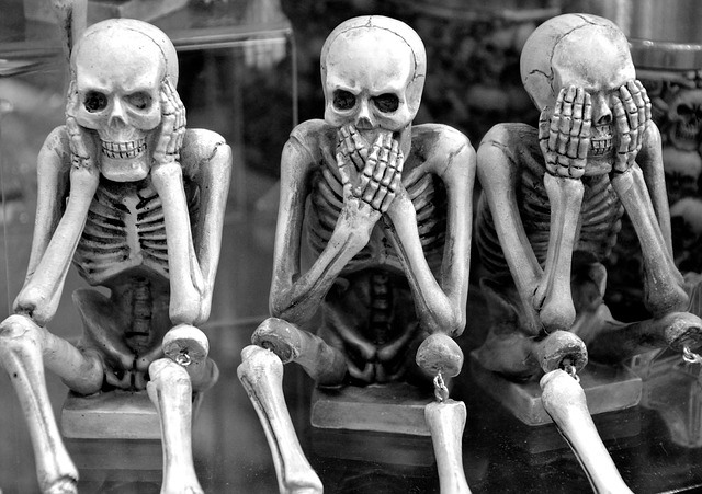 three skeletons representing bad backlinks you want to disavow