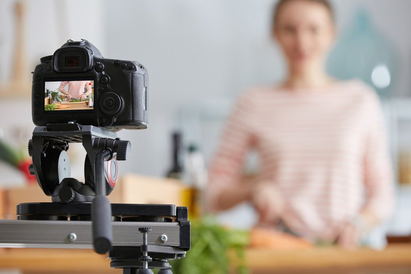 cooking blogger making video