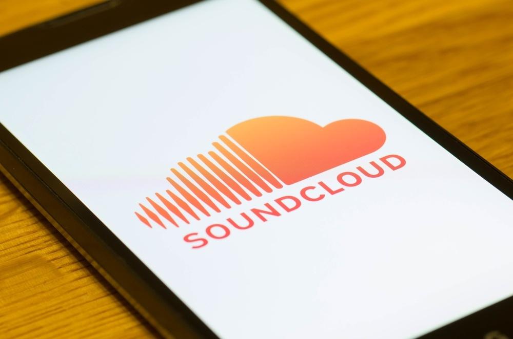 soundcloud app on smartphone