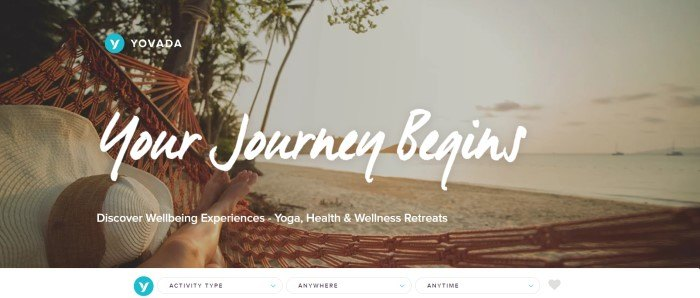 This screenshot of the home page for Yovada shows a beach beyond a woman's bare feet and straw hat in a hammock hanging from some tropical trees.