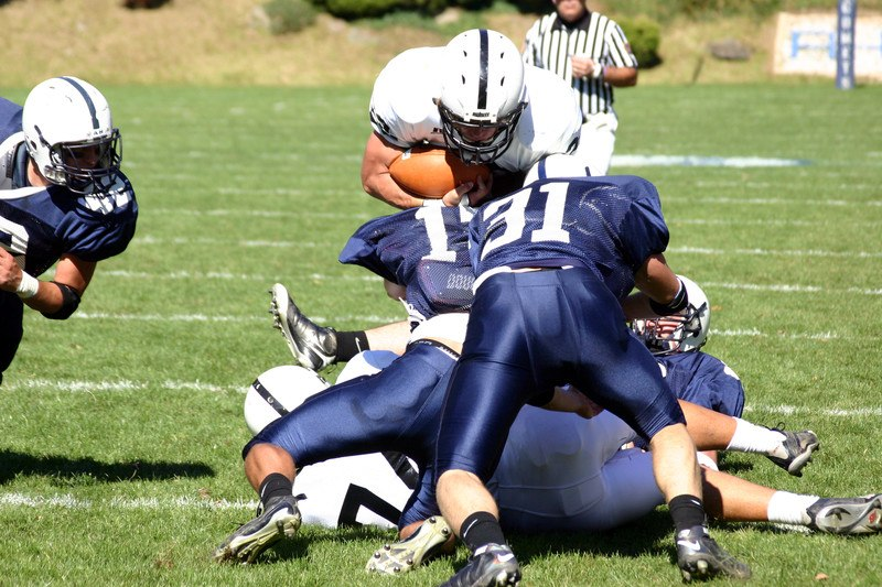 amateur american football tackle