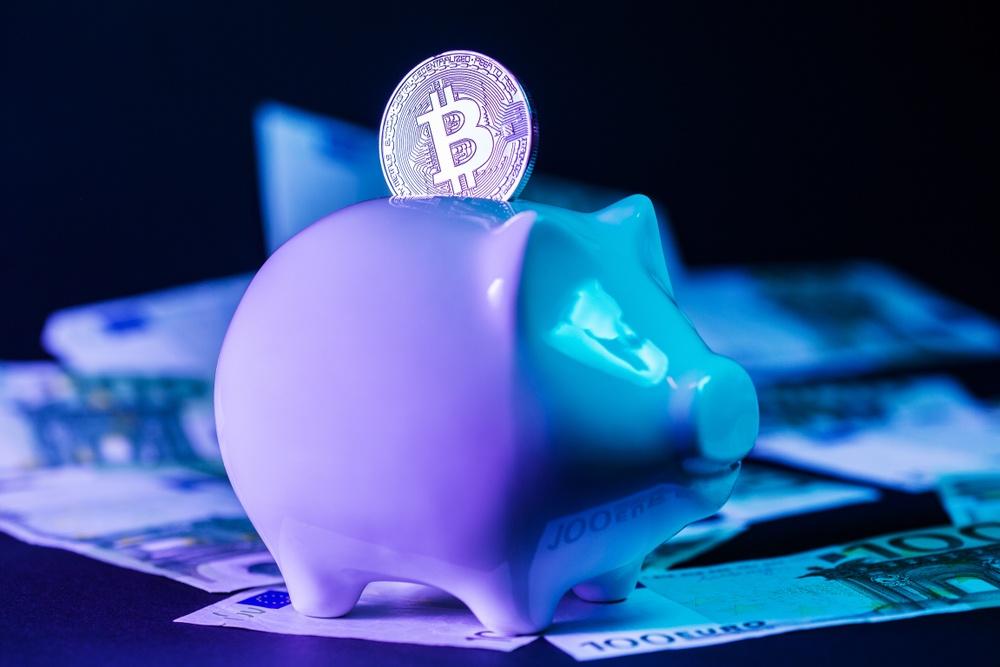 bitcon investing in small piggy bank