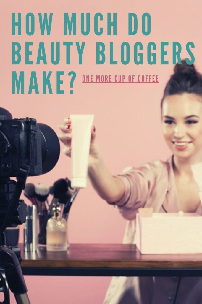 Beauty Blogger Make Money By Advertising Cosmetics For YouTube Video